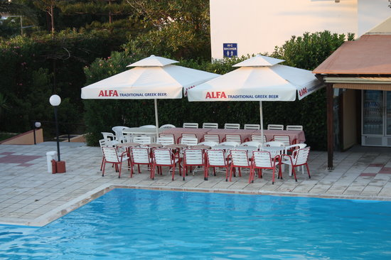 Hotel Iris: Here it has been made clear to the Greek evening