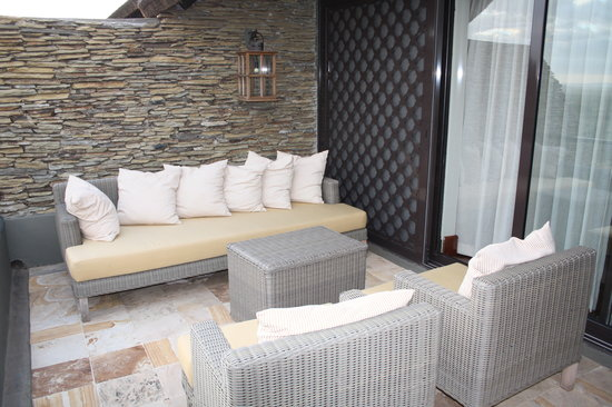 Bilila Lodge: Balcony, very spacious