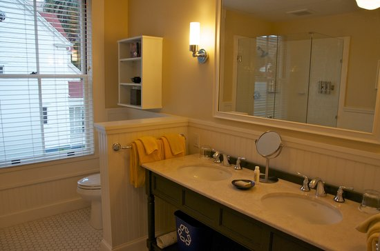 Cavallo Point: Bathroom-one bedroom suite