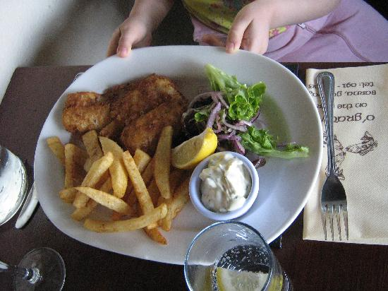 Amber Bay: An excellent meal at O'Gradys, in a small village near Ambar Bay