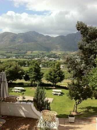 Mont Rochelle Hotel: View from the Country Kitchen terrace