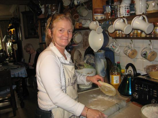 Island Heights Bed & Breakfast: MaryAnn making Homemade Scones