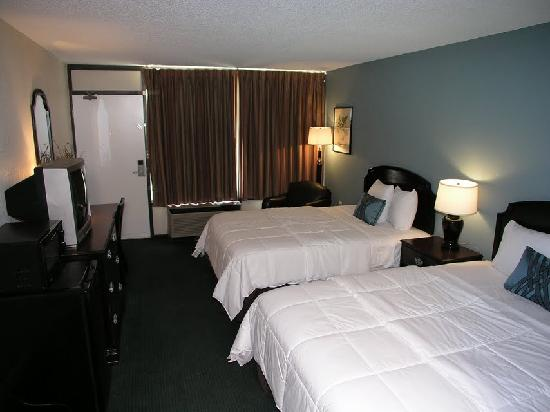 Springfield Hotel and Suites: room