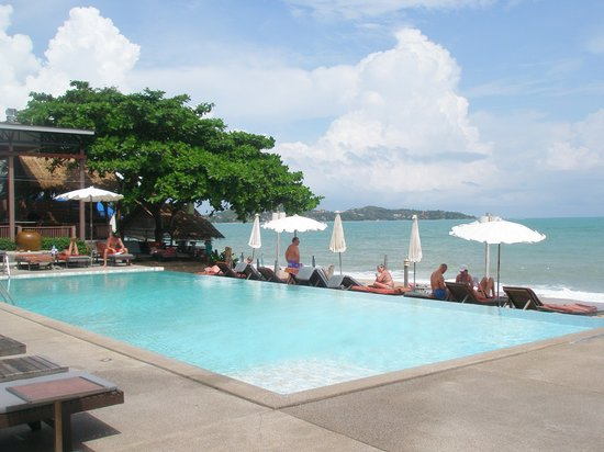 Lamai Wanta: lovely pool right on the beach