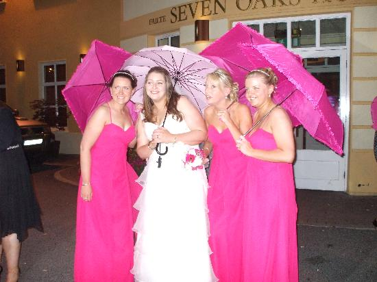 "Seven Oaks Hotel: ""The Pink Ladies"""