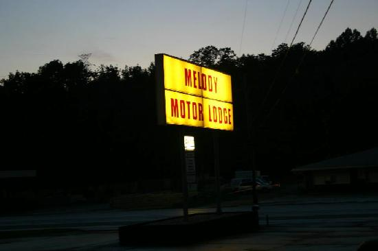 Melody Motor Lodge: the sign
