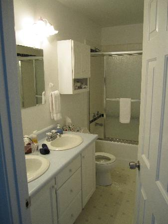 Franklin Furnace, OH: Bathroom for Marietta Room