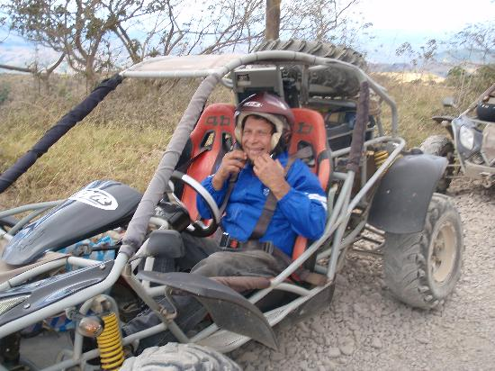 Manakin Lodge: 4-wheeler that you can hire to take you to the bus stop