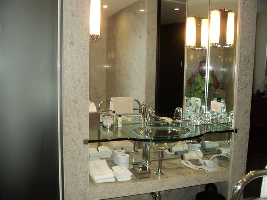 Hyatt Regency Mumbai: bathroom