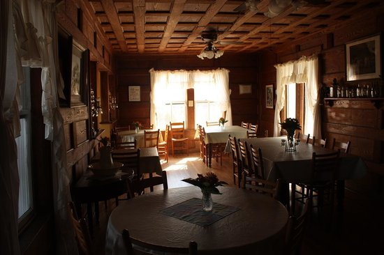 The dining room at the Pines Country Inn