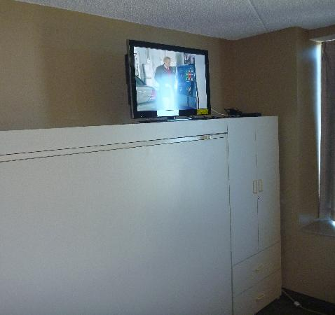 Royal Suites at  Atlantic Palace: This tv would&#39;ve been easier to watch if it were eye level on a normal sized tv stand of some so
