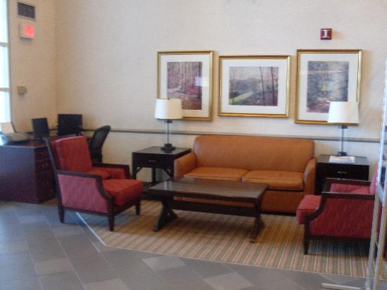 Comfort Inn Concord: Lobby With Business Center