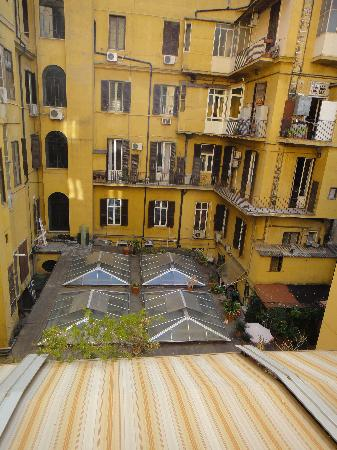 Residenza Cellini : View from breakfast room