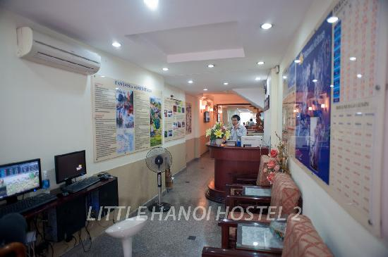 Little Hanoi Hostel 2: Reception area