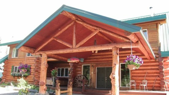 Crooked Creek Retreat: Lodge front