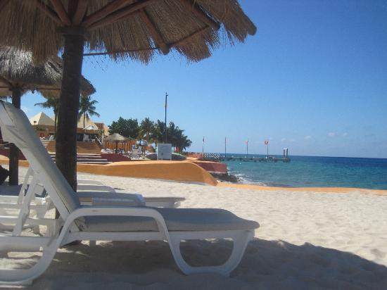 Fiesta Americana Cozumel All Inclusive: beach