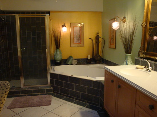 Atlantis House: Master Bath