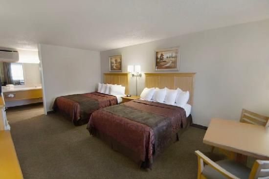 BEST WESTERN Pacific Highway Inn: Two Queen Beds