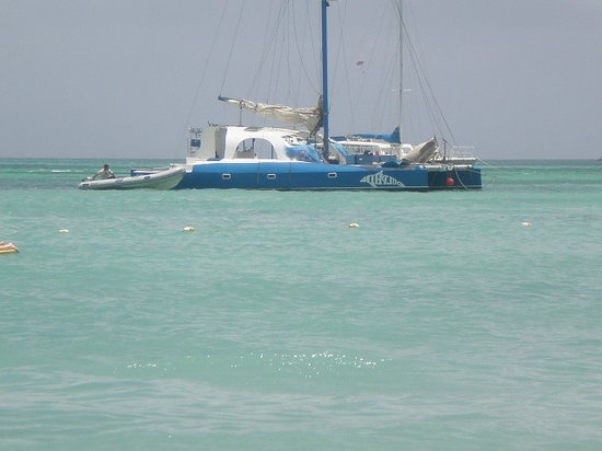 Noord, Aruba: The boat for snorkeling.