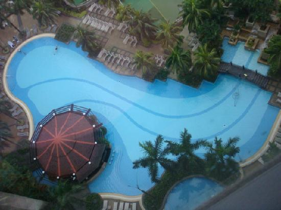 Coolest Backyard Pools In The World : World Best Swimming Pool  Picture of Renaissance Kuala Lumpur Hotel