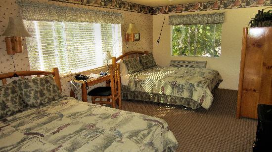 Sequoia Lodge: Room 17