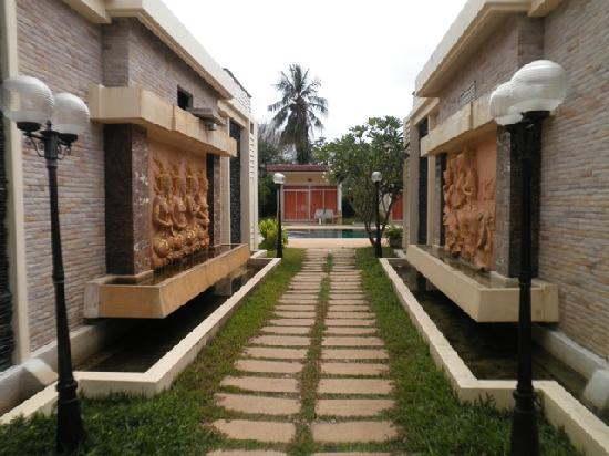 Maalai Resort
