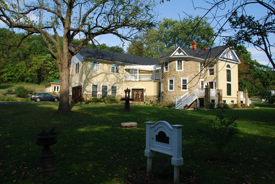 Photo of Stone Manor Vineyard & Orchard B&B Lovettsville