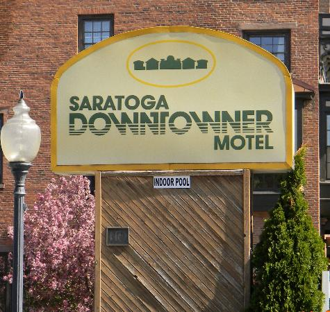 Saratoga Downtowner Motel: Welcome to the Downtowner!