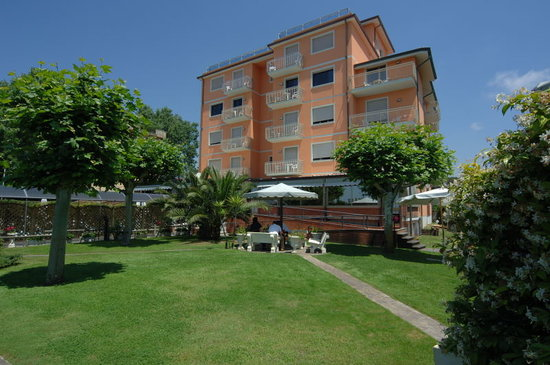 Photo of Hotel Bixio Lido Di Camaiore