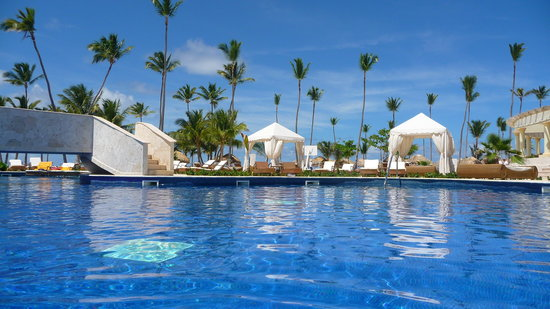 Iberostar Grand Hotel Bavaro: oh the pool area was awesome!
