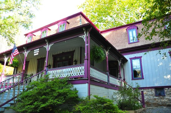 Photo of Manor Inn Bed & Breakfast Berkeley Springs