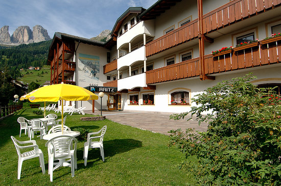 Aritz Garni Hotel