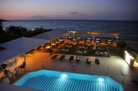 Iakinthos Resort