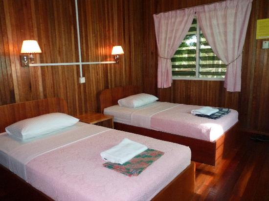 ‪Kinabatangan Riverside Lodge‬