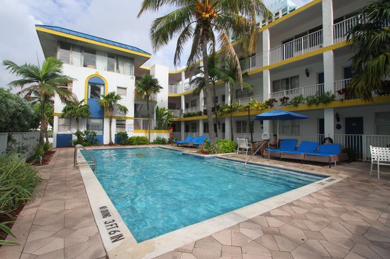 Avalon Waterfront Inns Beach Resort: WFI Pool