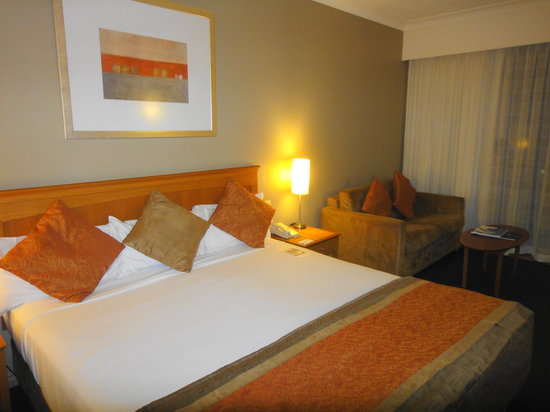 Mercure Gold Coast Resort: Room...spacious
