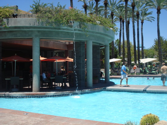 Hyatt Regency Scottsdale Resort and Spa at Gainey Ranch: Beautiful pools!! Love it!