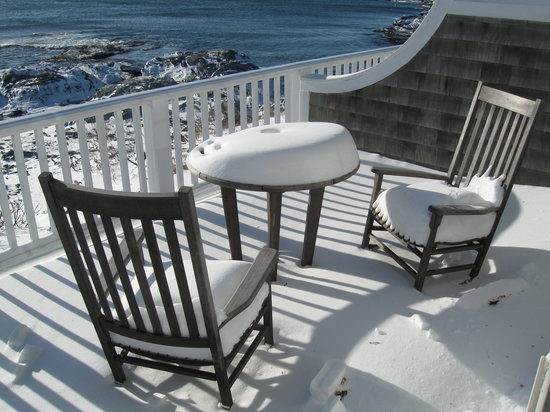 Castle Hill Inn: Snow on the deck.