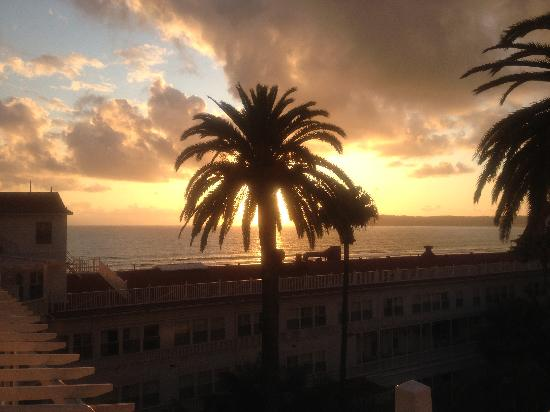 Coronado, Kalifornien: Sunset on ocean side rooms