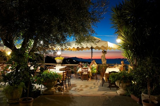 Villa Monica B&B: restaurant - ask Pasquale to take you here