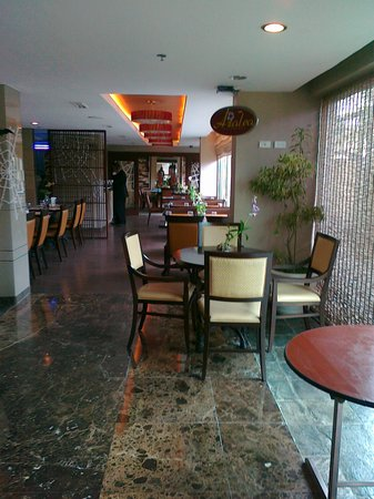 One Tagaytay Place Hotel Suites: restaurant of the hotel