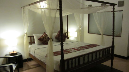 Frangipani Villa Hotel, Siem Reap: Deluxe room with pool view