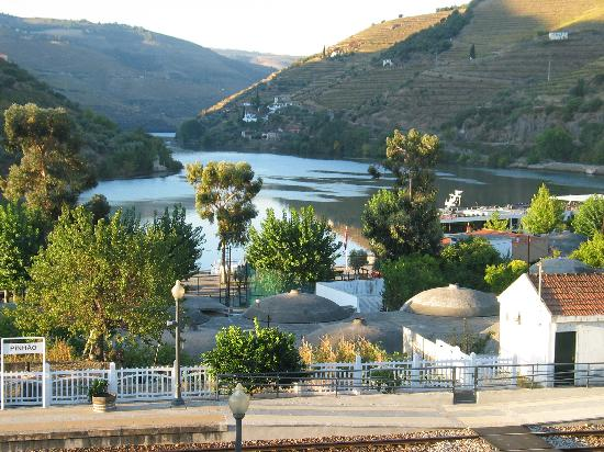 Hotel Douro: view from hotel bedroom