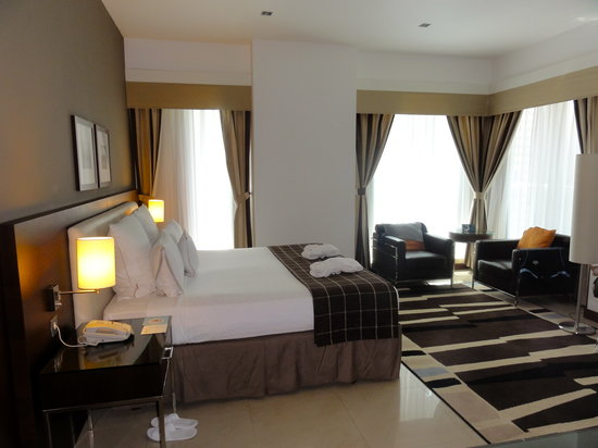 Four Points by Sheraton Sheikh Zayed Road Dubai : Preffered king corner room