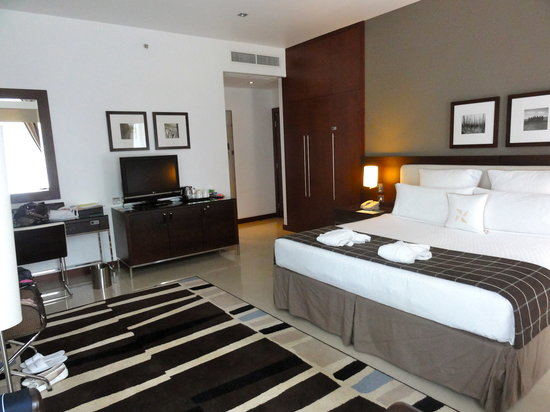 Four Points by Sheraton Sheikh Zayed Road Dubai : Preferred king corner room