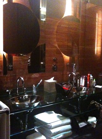 Andaz 5th Avenue Bathroom