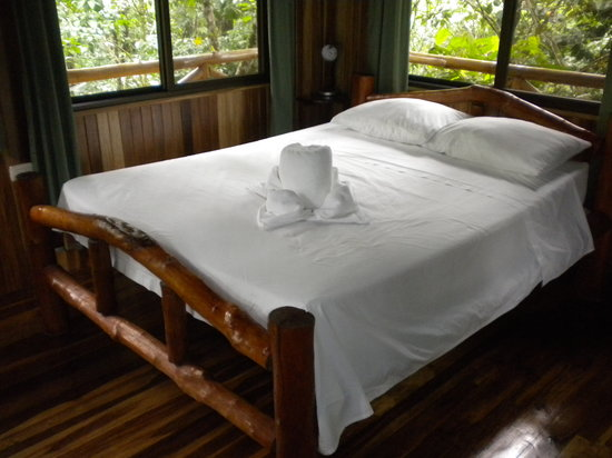 Tree Houses Hotel Costa Rica : Bed I had one of my best sleeps 