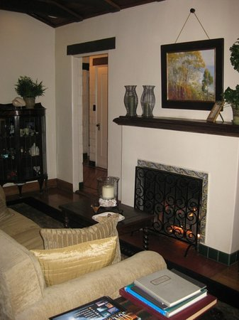Casa Laguna Inn &amp; Spa: fireplace