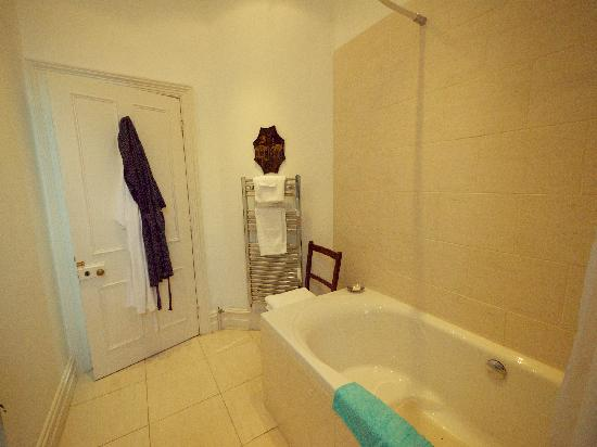 Marlborough House: Bathroom