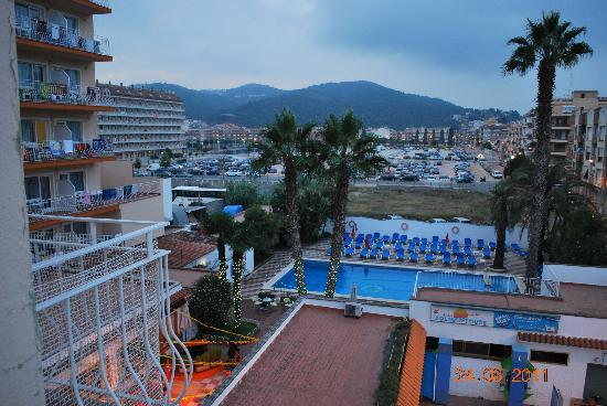 Rosa Nautica Hotel: view from our balcony to the mountain.